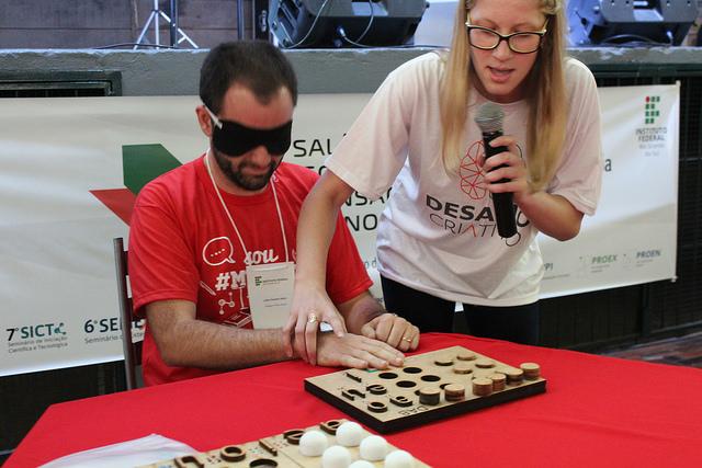 dispositivo para complementar a aprendizagem em Braille